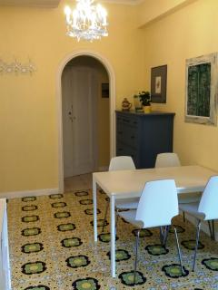 ENTRANCE WITH AIR CONDITIONING  AS A DINING ROOM TO HAVE TWO BEDROOMS