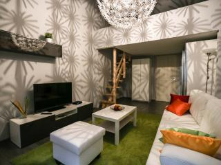 Brand new, modern apartment with central location, Budapeste