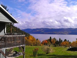 Splendid Panorama Fjord Saguenay! Mountain retreat, Sainte-Rose-du-Nord