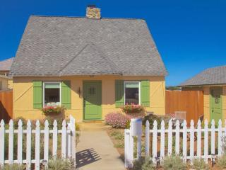 3612 Storybook Cottage - 4 Bedroom