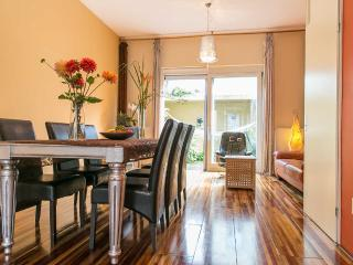 Charming family house + 12mins to central station, Ámsterdam