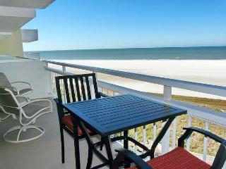 Sun-filled beachfront condo w/ heated pool & unforgettable ocean views