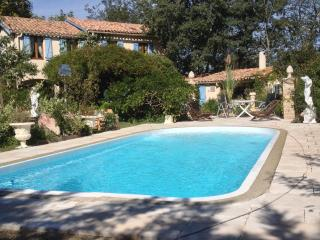 Les Glycines ( Four bed house,with private pool), La Redorte