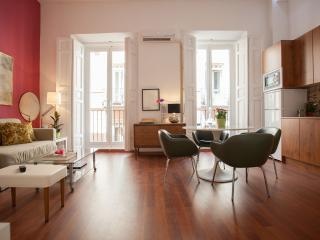aWesome cHic mAdrid cEnter 2! a/ C.2 BR & 2 Bath., Madri