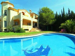 Villa 5 bedrooms El Paraiso Alto, New Golden Mile, Estepona