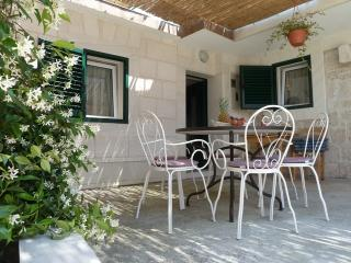 Holiday house in Okrug gornji