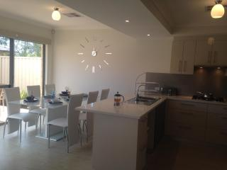 Mandurah on the Terrace - 3bdr, 2bth, Small Pets