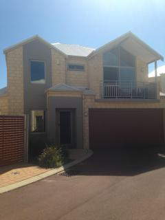 Mandurah on the Terrace - Modern Townhouse Living