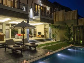 The Kumpi Villas, Luxury 2 BR Villas, Eat. Str., S