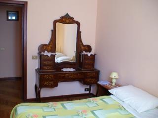 Apartment for 4 w terrazzo in historic Via Cernaia