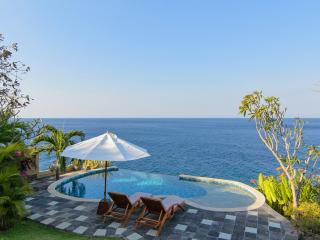 Villa Aquamarine - Blue Magic Views!
