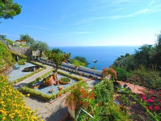 Villa I Giardini dell'Eden, Vettica