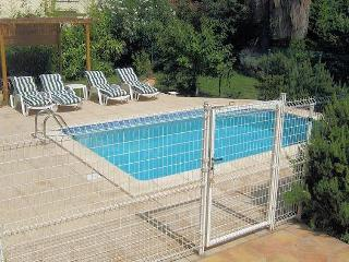 Pezenas holiday rentals France (sleeps 6), Pézenas