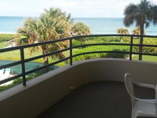 Beachfront Condo in Juno Beach - Ocean Views