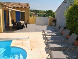 Villa for holiday lettings France with pool sleeps 8