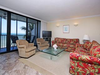 Spacious Living Room With Perfect Gulf Views and room to spread out