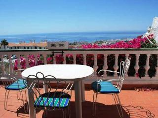 Villa Algarrobo 2 Bed. townhouse close Capistrano, Nerja