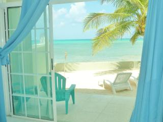 "Paradise at your Fingertips ""Exuma Apartment"", Nassau"