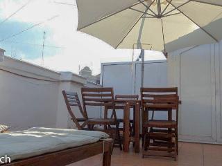 Apartamento con terraza y Wifi Valencia-centro (9)