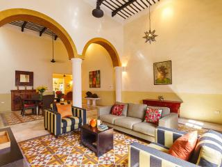 A boldly stylish Merida retreat for families.