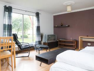 Two Bedroom Central Glasgow Flat