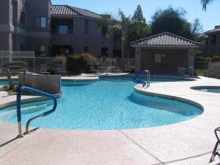 2BR/2BA NORTH SCOTTSDALE CONDO, Scottsdale
