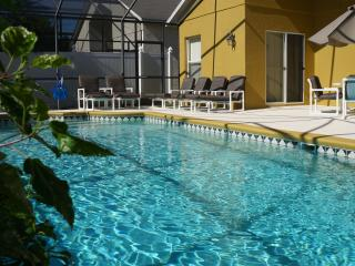 Family-Friendly Large Villa with a Pool, Jacuzzi,, Kissimmee