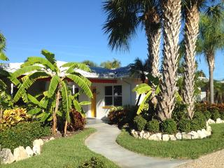 Orange Blossom-Key Lime Cottage-2 Pools-Clwtr Beach