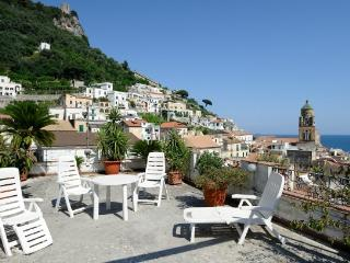 Graziella with terrace and sea view, Amalfi