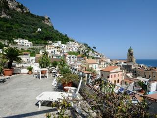 Graziella with terrace and sea view