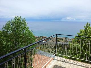 Riviera dei Fiori 2 - Casa Angela a Costarainera, Cipressa