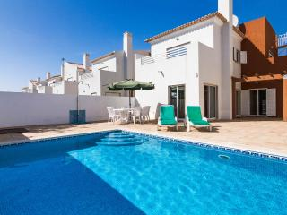 Luxury 4 bedroom villa with private pool, Cabanas, Tavira