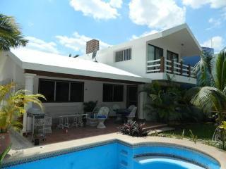 Casa Jz. Casa Frente Al Mar Con Piscina En Segunda Fila, Chicxulub