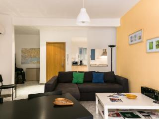 Cosy and Bright Flat in Poble Sec, Barcellona