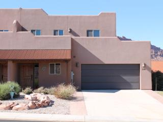 SG2 | LUXURIOUS MOAB CONDO, YET VERY AFFORDABLE!
