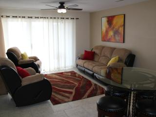Snow Canyon & Red Rock Views - 3 Bedroom Condo with Awesome Deck, Saint George