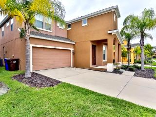 Spacious 6 bed/ 5.5bath in BellaVida Resort 220LF, Kissimmee