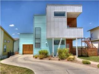 Modern Home for F1! 15min from Track and Downtown, Austin