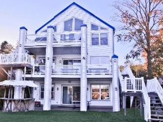 Luxury waterfront near Lake Michigan sleeps 40, Grand Haven