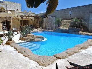 300 year old farmhouse professionally converted, Gharb