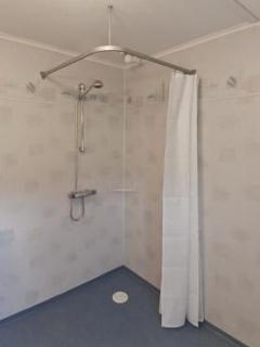 Shower room/family bathroom