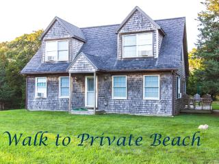 ABBOP - WALK TO PRIVATE BEACH, WIFI INTERNET, AC, West Tisbury