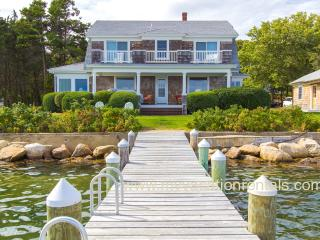 EWARO - Gorgeous Harborfront Home with Private Dock, Walk to Beach and Town, A/C, WiFi, Newly Furnished, Oak Bluffs