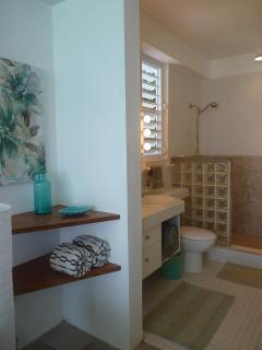 Master bath with oceanview shower