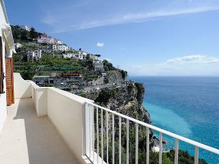 la Sirenetta with terrace and sea view, Costa de Amalfi