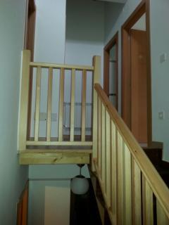 Escalera acceso planta superior