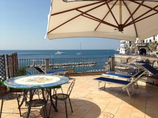 Masaniello with large terrace overlooking the sea