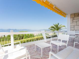 Beautiful 2 bedrooms with sea view 310, Cannes