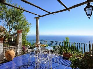 Villa Paradiso with terrace overlloking the sea, Conca dei Marini