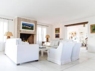 Beautiful 4 Bedroom House Located in La Punta, Punta del Este
